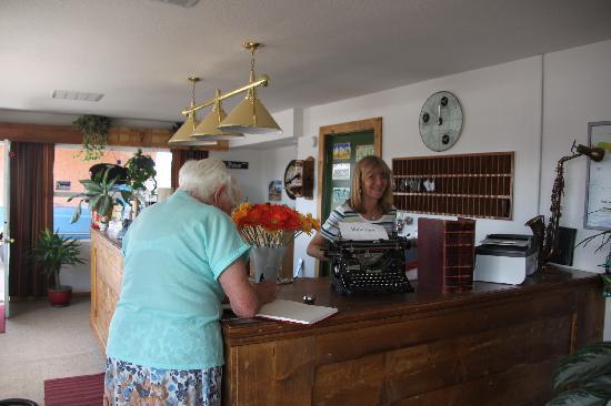 Globetrotter Lodge: Besitzerin Mrs. Hoeller