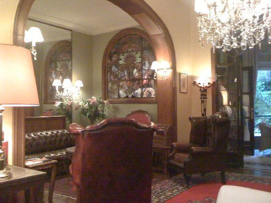 Firean Hotel: un aperçu du salon