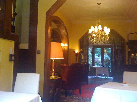 Firean Hotel: salle du petit déjeuner ...