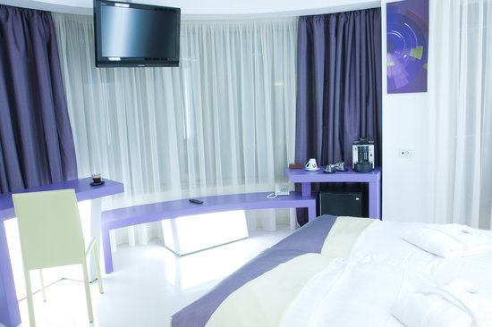 โฮเต็ล คริสติน่า: Lilac Room
