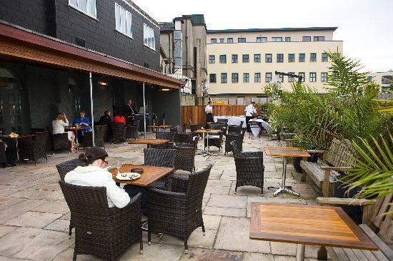 Lawlor's Hotel Dungarvan: BBQ Area