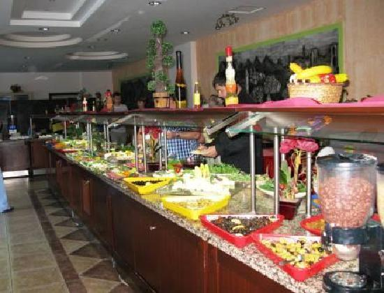 Grand Viking Hotel : Breakfast buffet ( One side of it ! )