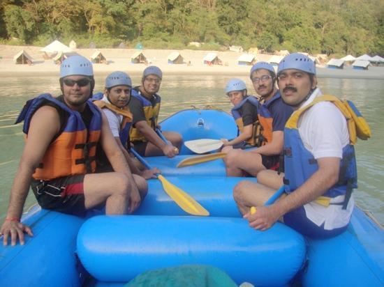 Camp Rafting Masti Rishikesh: team work