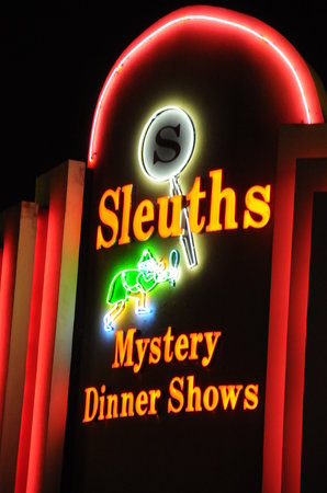 ‪Sleuths Mystery Dinner Shows‬