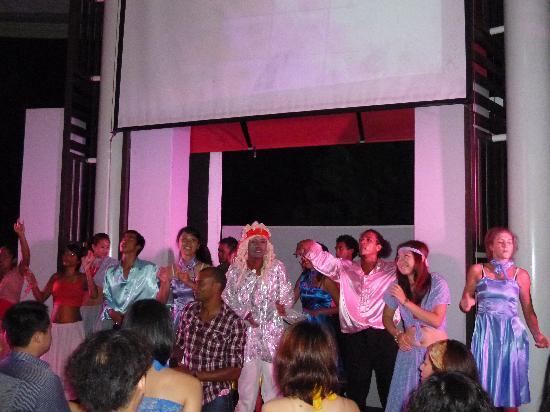 Club Med Bali: セカンドショーーにて