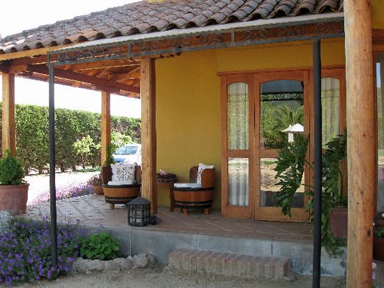 Posada Colchagua: Our room's porch area