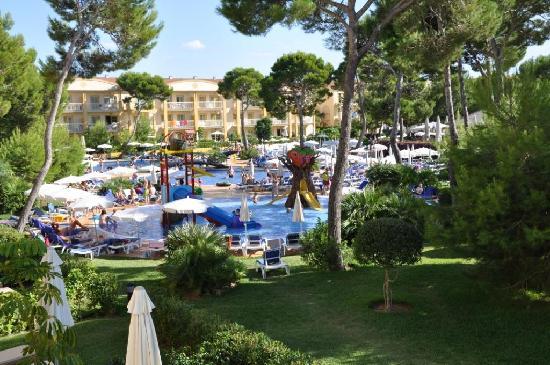 Zafiro Mallorca: Pool area