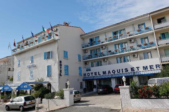 Hôtel Maquis et Mer : L'hôtel est très sympa, j'ai pris la photo en arrivant