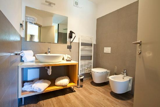 Vasca Da Bagno Harmony : Vasca da bagno d angolo in acrilico lovestory ii ravak