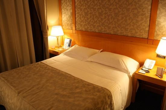 Hotel Artemide - room photo 11026225