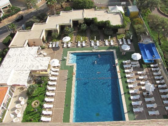 Seasons Netanya Hotel: The pool - view from window