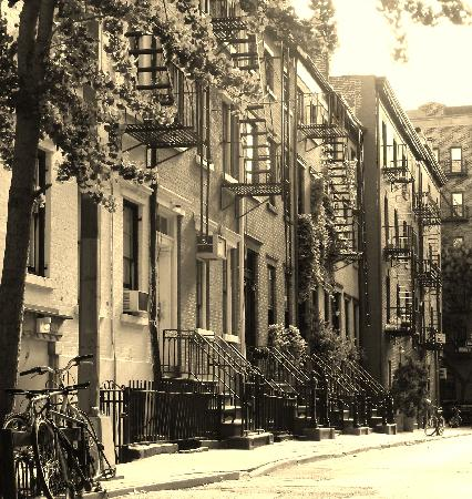 New York's Finest Walking Tours: street of greenwich village