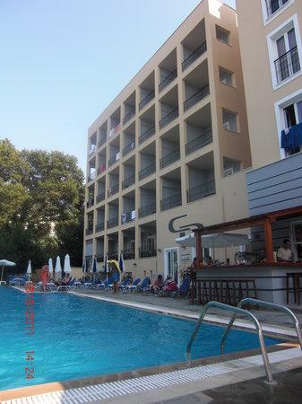 Hotel Hellinis Kanoni: pool