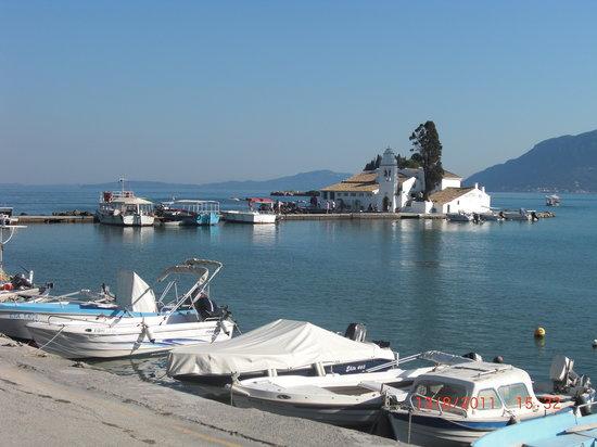 هيلينيس: beach area