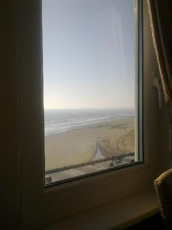 Monarch Hotel: Sea View from second window.