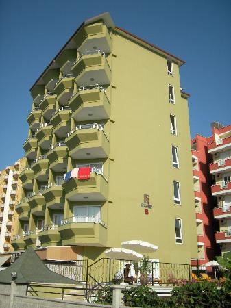 Sun Star Beach Hotel: 2rd building - B