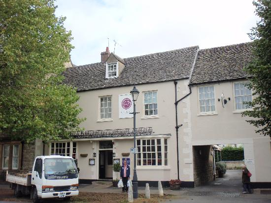 The Fleece: Frontage