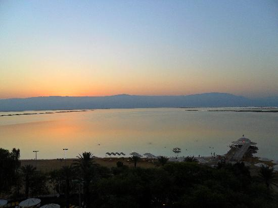Lot Spa Hotel: Just before sunrise ...