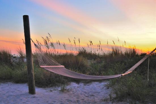 Sirata Beach Resort: Sunset with a Hammock