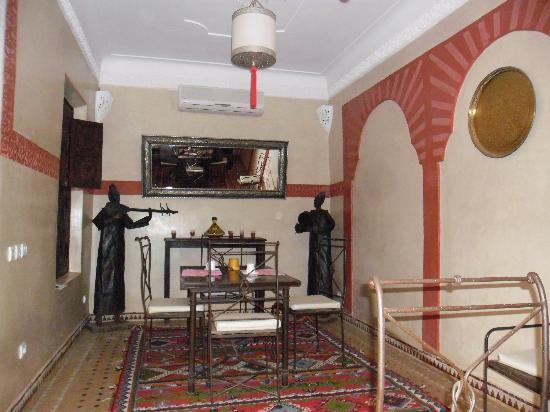 Riad Itrane : La salle à manger