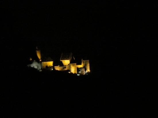 Hotel St Fiacre : Le Chateau de Bourscheid vu de l'hotel