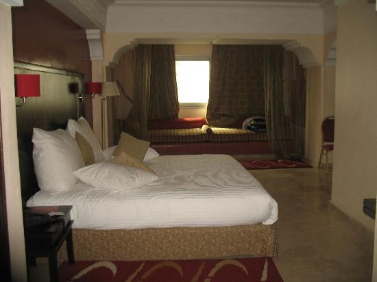 Hotel Diwan Casablanca : la chambre est à visiter