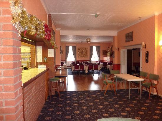 Hotel Victoria: Bar/Dance Floor/Restaurant Area