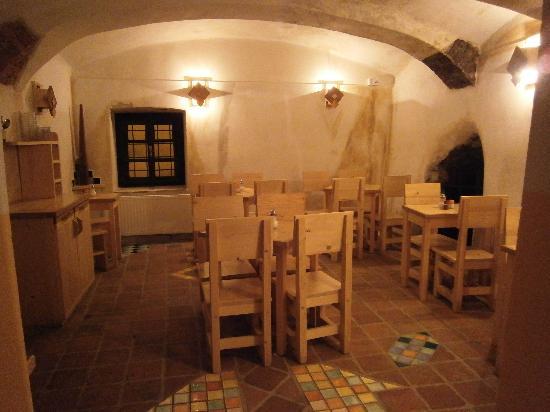 Hotel Garni Mysi Dira: breakfast room