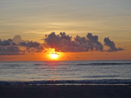 Morph Kiteboarding: Awesome sunrise