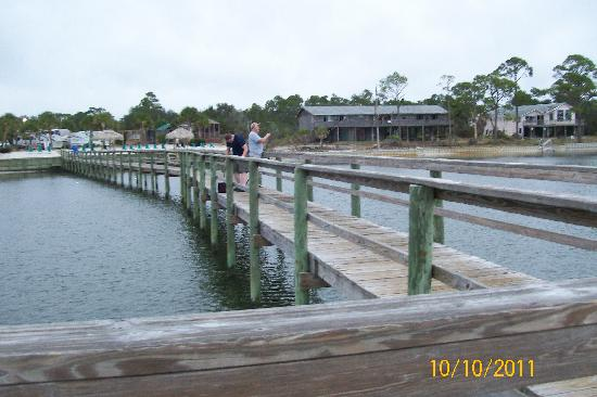 Navarre Beach Camping Resort: the pier at the campground