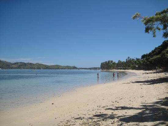 Lomani Island Resort: Lomani Resort beach