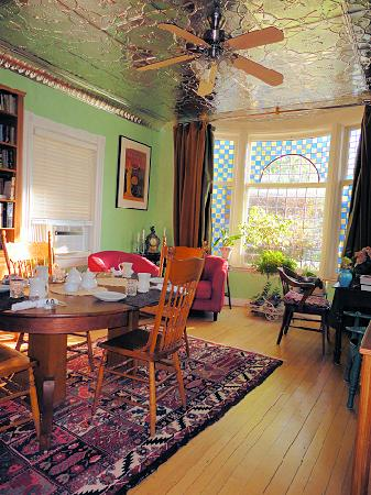 Mettawas-End Bed and Breakfast: Charming tin ceiling & pretty blue glass window
