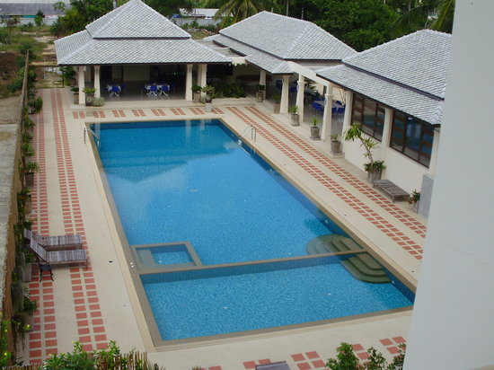 Joy Residence: a view of the pool from the 3rd floor standard @ the front