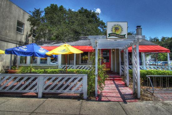 Palm Coast Coffee, Cafe and Pub: 318 Mallery Street