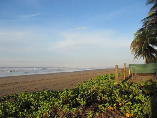 El Cuco, El Salvador: more beach