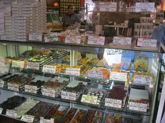 Ole Smoky Candy Kitchen: candy counter