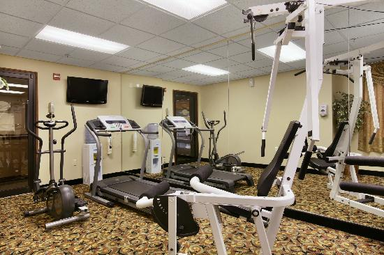 Baymont Inn & Suites Boston Heights/Hudson: Fitness Room