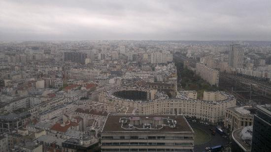 Pullman Paris Montparnasse: View of Paris from my room
