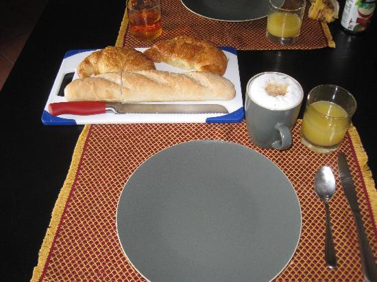 Chez Daniel: Breakfast!