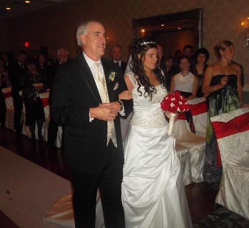 Radisson Hotel Freehold: walking down the aisle