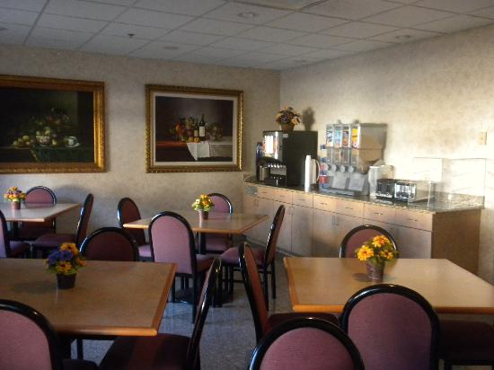 Best Western Inn & Suites - Midway Airport: Breakfast Room