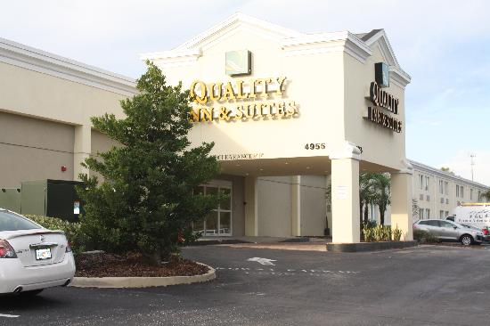 Quality Inn & Suites Near Fairgrounds Ybor City: Entrance