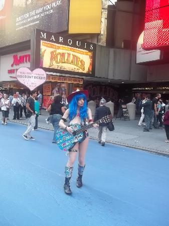 Times Square: Naked Cowgirl!