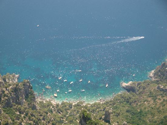 Monte Solaro: 見事なカプリブルー