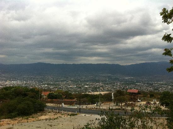 Vista panoramica de Tuxtla Gutierrez desde carretera de Copoya, vacaciones semana santa 2011