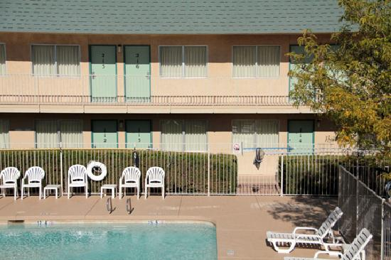 Motel 6 Holbrook: Swimming-pool