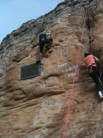 Mount Arapiles: Top rope climb up 'The Plaque'