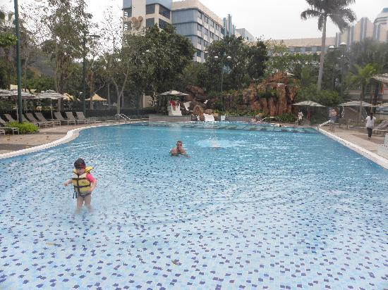 Disney's Hollywood Hotel : The Pool had a water slide which the kids loved