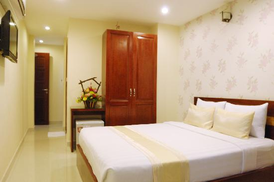 Saigon Europe Hotel: Standard plus double room with window