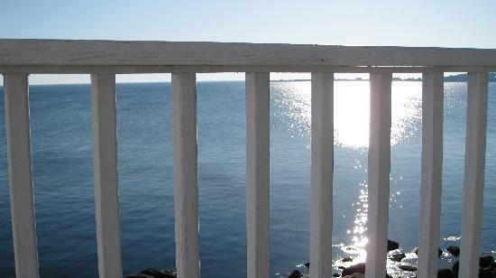 The Quarterdeck Inn by the Sea: balcony